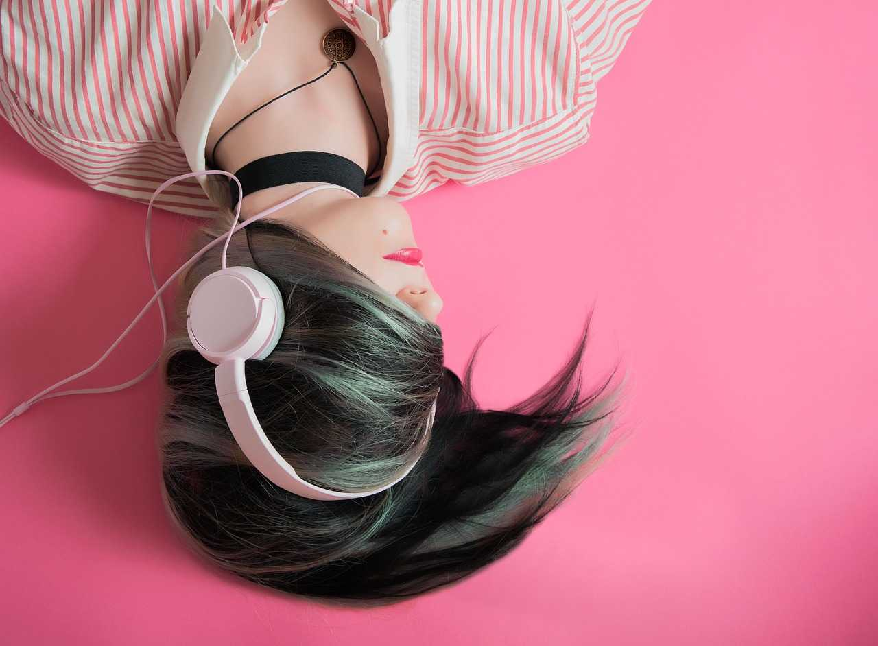 Best sleeping headphones review of 2020 : Buyer's Guide cover image